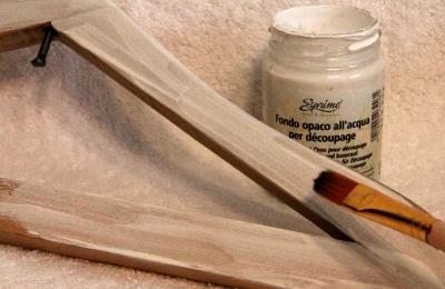 Деревянная вешалка-плечики